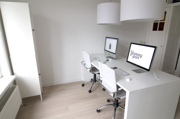 Showcase: Minimalist Workstation Setups